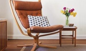 Chaise scandinave en bois, cuir marron